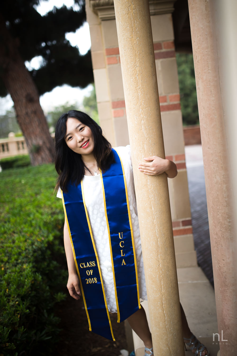 los-angeles-ucla-senior-graduation-portraits-0094.jpg