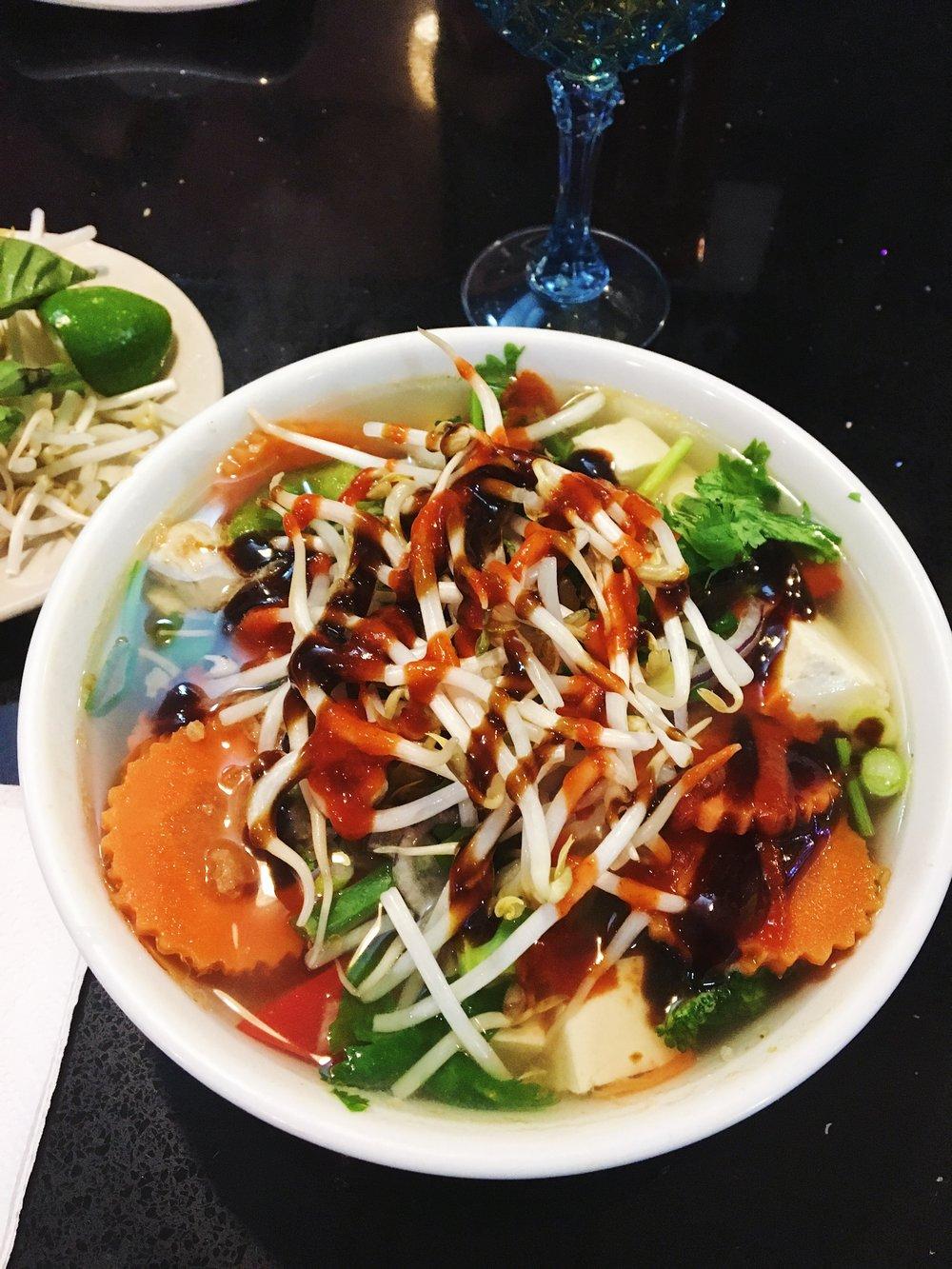Pho Chai- Pho Hong