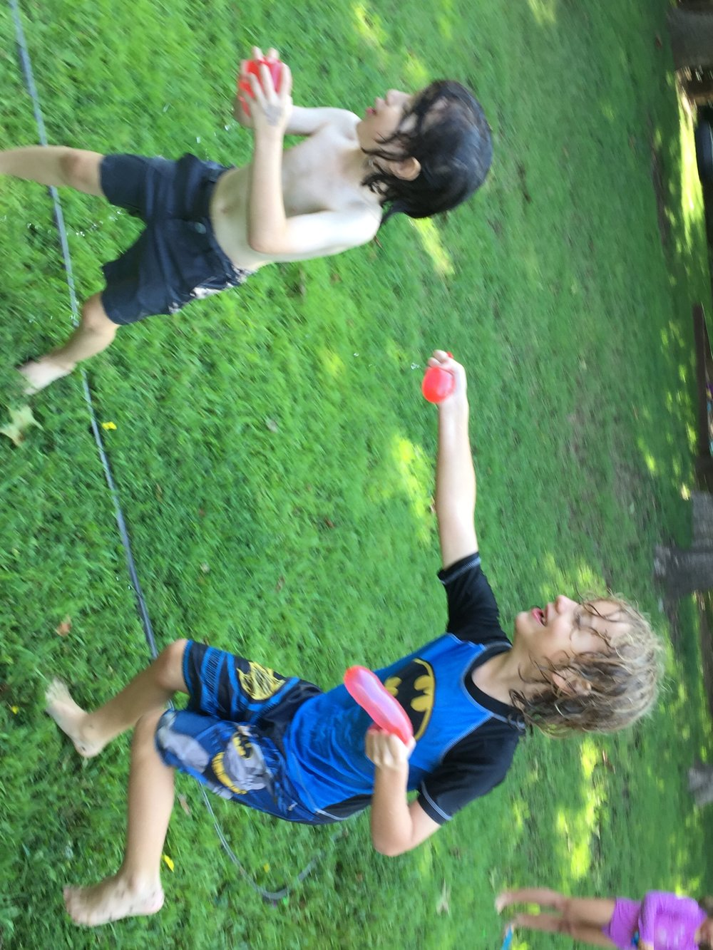 60 seconds to fill water balloons make us ALL happy =)
