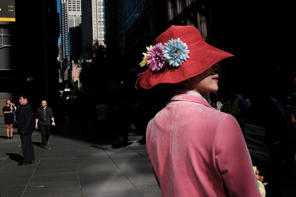 11_Jonathan_Pui_Australian_street_photography_lady_red_hat_pink_jacket_aussie_street_sydney_martin_place.JPG