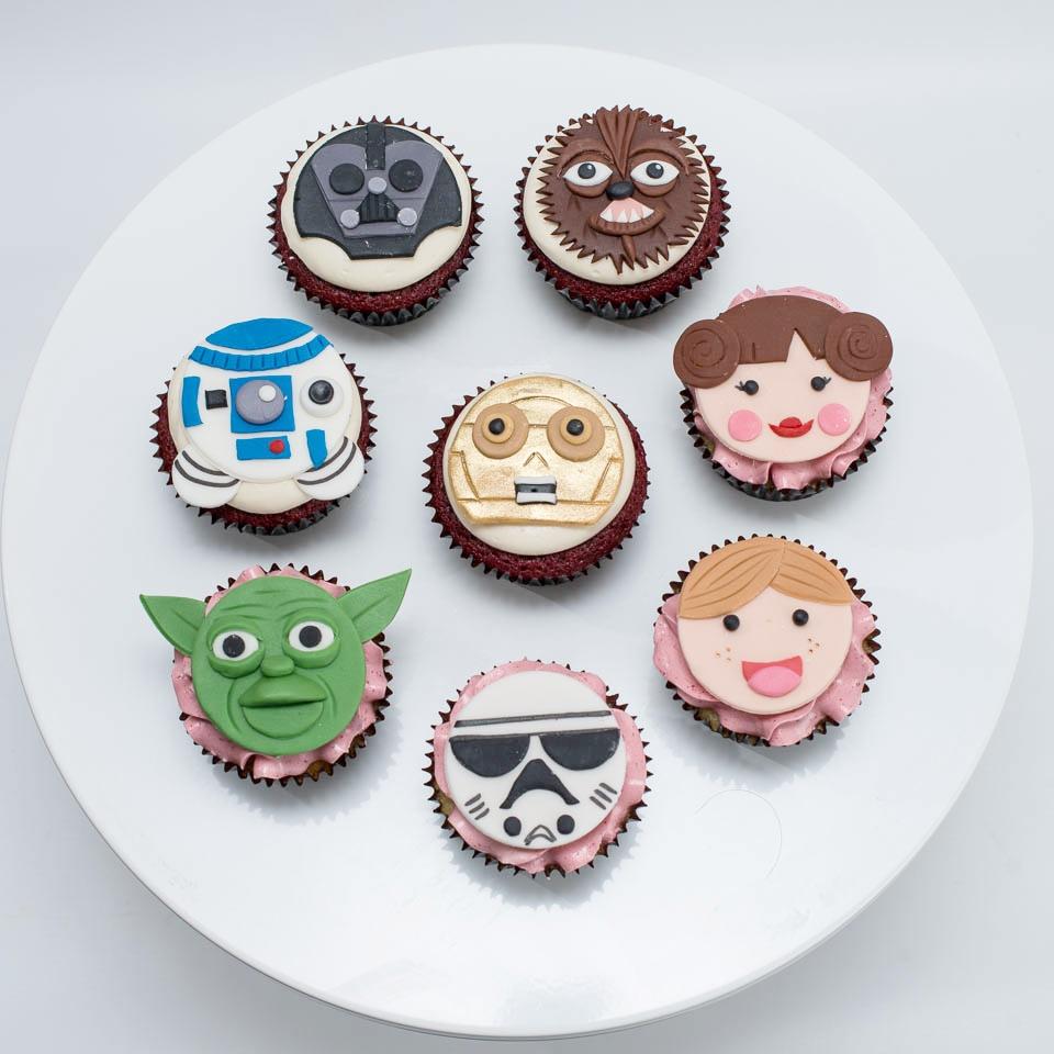Star_Wars_Cupcakes.jpg