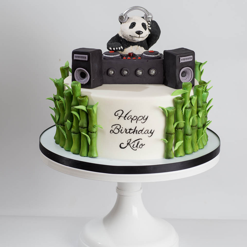 DJ panda cake