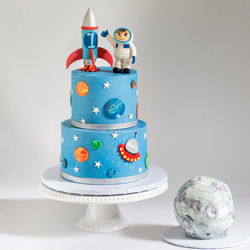 Astronaut And Rocket Ship Cake With Moon Smash