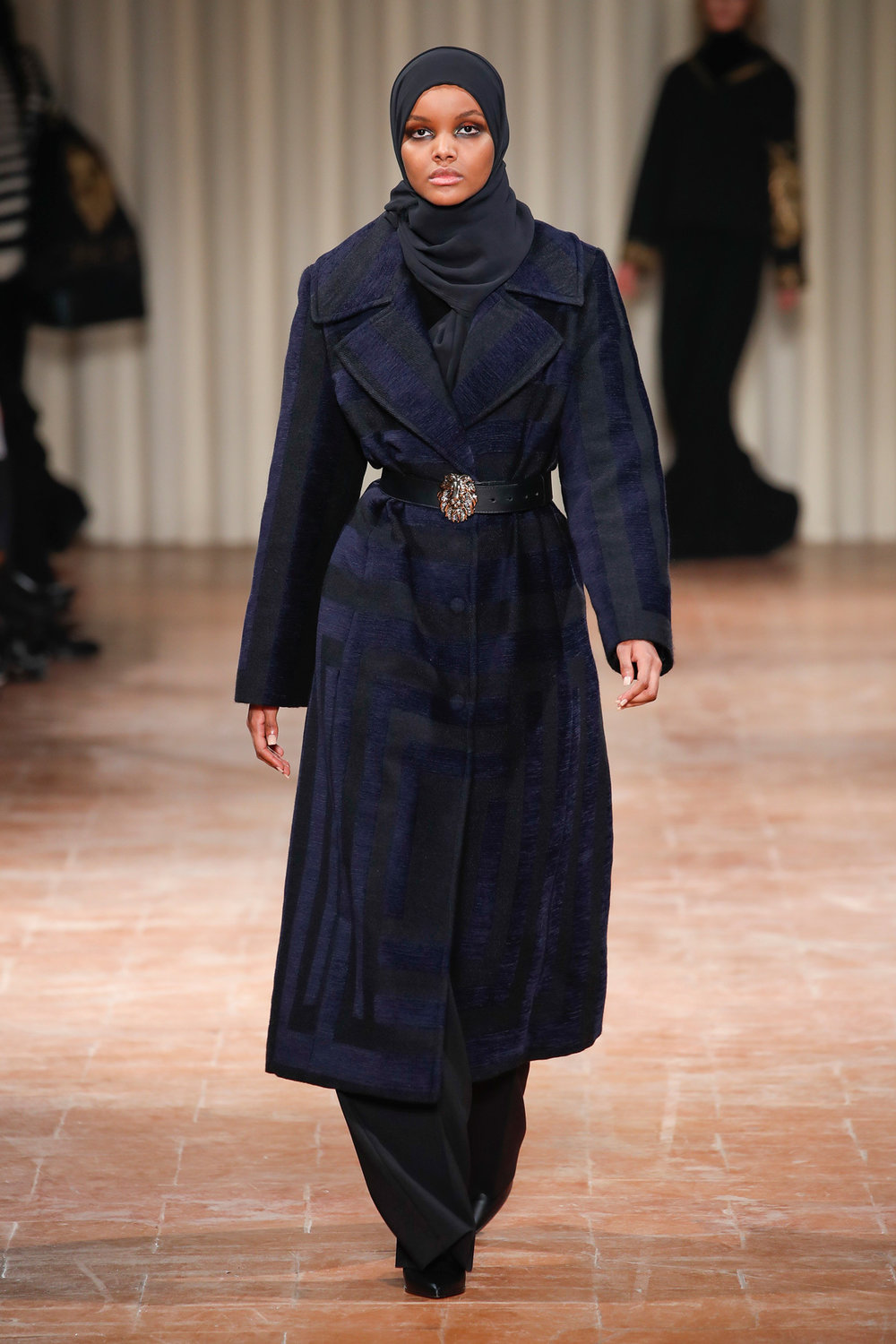 halima-aden-the-hijabi-model-of-the-moment-brings-much-needed-diversity-to-milan-body-image-1487861426.jpg