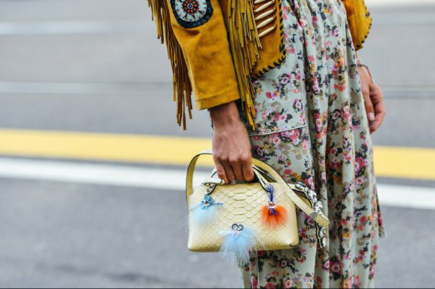 h9som7-l-610x610-bag-bag+accessories-yellow+bag-fur+keychain-accessories-accessory-streetstyle-fringe+jacket-suede+jacket-snake+skin-lemongrass-floral+maxi+dress-boho+chic.jpg