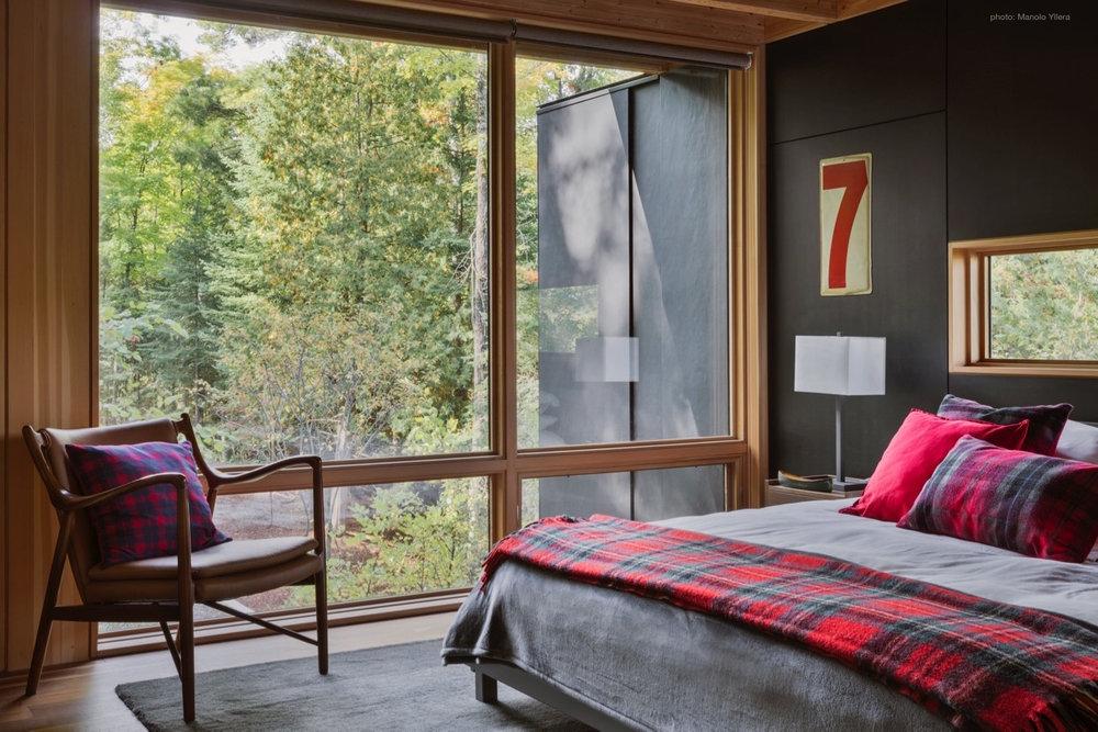 upper guest bed m.jpg