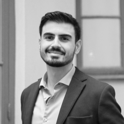 Yusuf Erdal  Marketing Technology Specialist   Developer with a digital marketing understanding, Software engineering at one of Sweden's largest banks   yusuf.erdal[at]peregrine.se