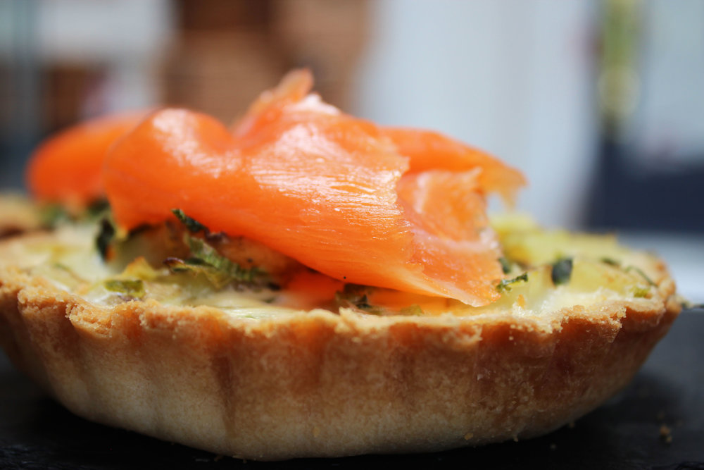 Smoked salmon and pea tart
