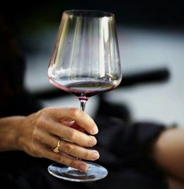 women and wine.jpg