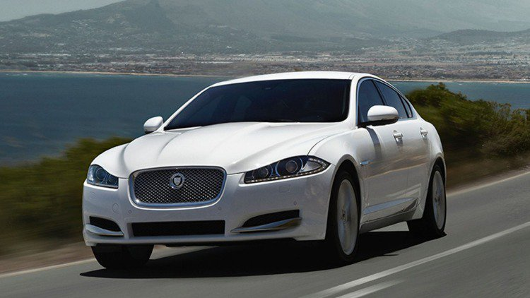 top-10-executive-cars-2018-regalmotion-jaguar-xf.jpg