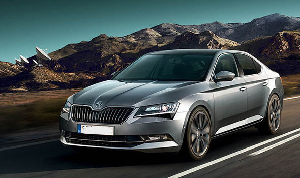 top-10-executive-cars-2018-regalmotion-skoda-superb.jpg