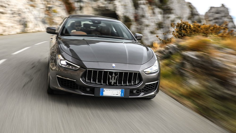 top-10-executive-cars-2018-regalmotion-Maserati-Ghibli.jpg