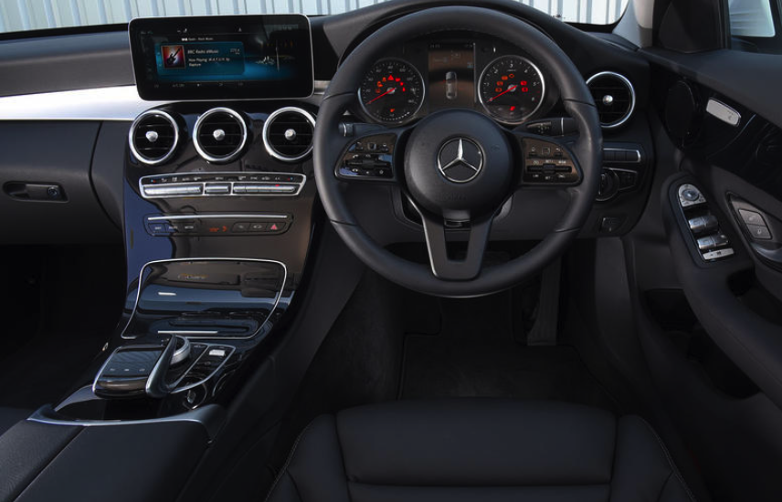 mercedes-c220-review-regalmotion-1.png