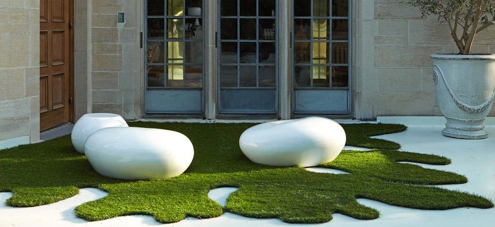8-pod-seating-artificial-grass.jpg