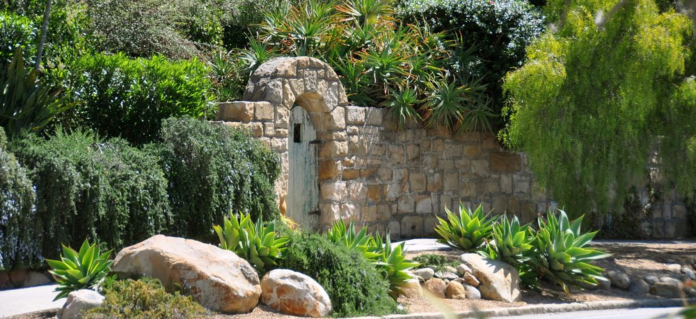 9-stone-gate-entry.jpg