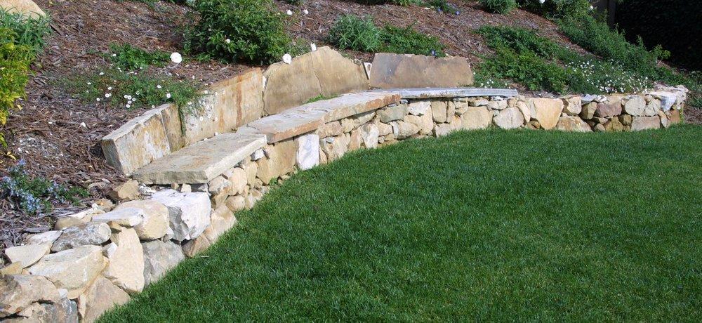 02-wall-bench-stone.jpg