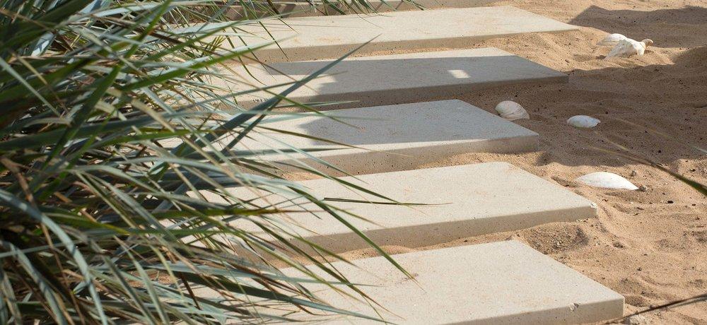 concrete-pavers-sand.jpg