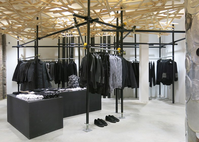 Dover-Street-Market-fashion-store-New-York_dezeen_ss_2.jpg