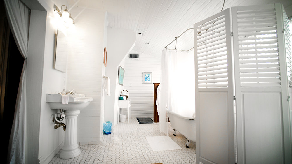 Call us weird, but we like really nice bathrooms - this one seemed so classic and clean!