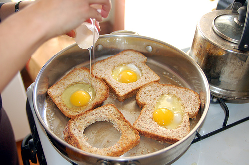 making-eggs-in-a-basket