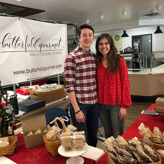 Pick up some holiday yum #jesuitchristmasbazaar @jesuitdallas . . . . . #shopsmall #shoplocal #dallas #yum #holidaygifts #christmasgifts #snacks #dessert #pie #sweets #sugarcookies #chickenpate #dallaseats #nuts #crackers #dallasartisan