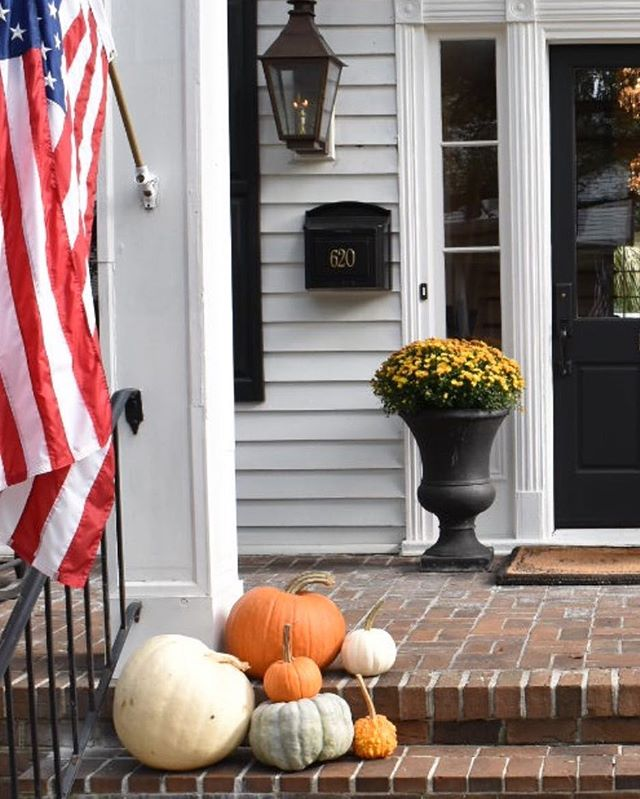 No tricks, all treats!  Be sure to stop by 620 Prince tomorrow to get yours! . . . . . . #620prince #georgetownsc #bedandbreakfast #southernliving #smalltownholiday #southerncharm #hospitality