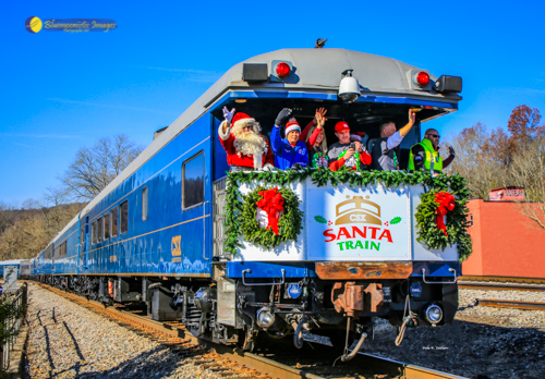 Santa Train Departs St Paul VA - Photo by Dale R. Carlson