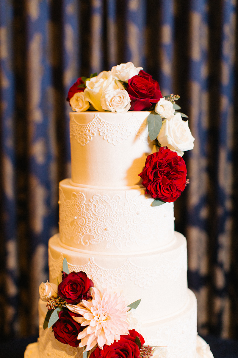 Lace Detail Wedding Cake.jpg