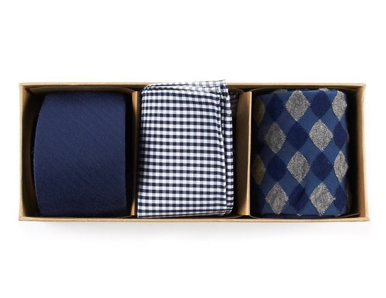 Tie Bar Gift Set - Hubby or boyfriend need a new tie - how about throwing in a corresponding pocket square and socks to take it up a notch? Tie Bar has a range of fashion forward (think velvet and skinny ties) but still classic looks for guys! This is also a great resource for groomsmen gifts and accessories for wedding day.