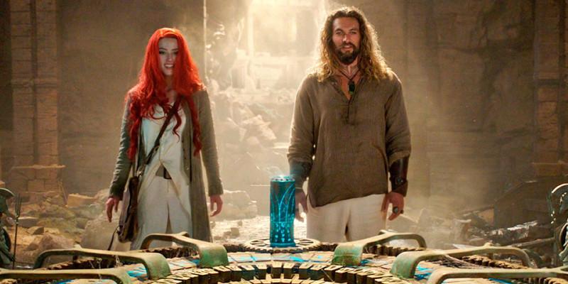 """Tra le profondità oceaniche, deserti a là """"Indy"""" e la bellezza della Sicilia, gli scenari in  Aquaman  cambiano di continuo."""