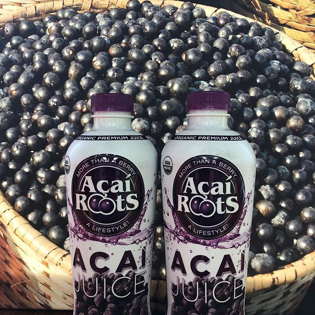 Your tastebuds and body will love Açaí Juice. It is rich in fiber and loaded with antioxidants, which boost the immune system. Açaí supports heart health, helps with digestion and promotes healthier skin. Come in today for our Buy One Get One FREE Açaí Juice special.  #eatalohaaustin #alohaaustin #eatwell #livewell #bewell #alohapola #acai #do512 #austin360eats #newyear #vegan #healthyeating #antioxidents