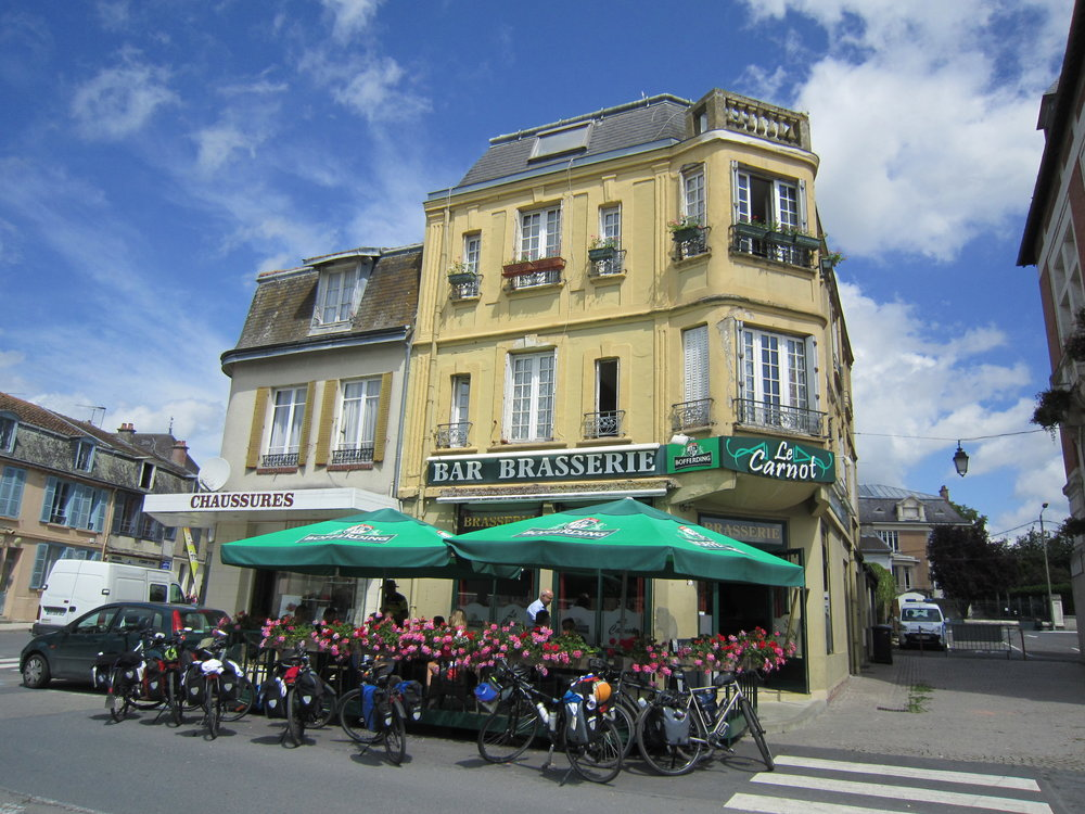2018_05_31 2de verkenning Omloop - Vouziers - cafe Le Carnot -controle en bevoorrading (2).JPG