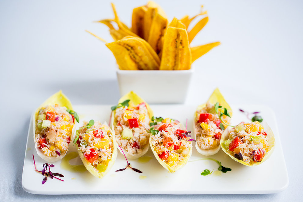caribbean-style crab & mango salad with fried plantains