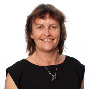 """SHARON KEARNEY   Sharon is a physiotherapist based in Christchurch and is currently the NetballSmart Injury Reduction Programme Manager with Netball New Zealand. Sharon has been involved with Netball New Zealand for over 26 years and as the former Silver Ferns Physiotherapist she attended 5 World Netball Champs, 2 Commonwealth Games and 3 World Youth Cups.  In addition to working with the Elite netball programme, Sharon has worked with high performance athletes at HPSNZ/New Zealand Academy of Sport since its inception. Sharon has now moved her focus to community based netball by leading and developing the NNZ Injury reduction programme. Minimising Injury risk has always been an important part of Sharon's high performance career to date and now she is enjoying having the time and capacity to make a meaningful difference to the """"everyday athlete""""."""