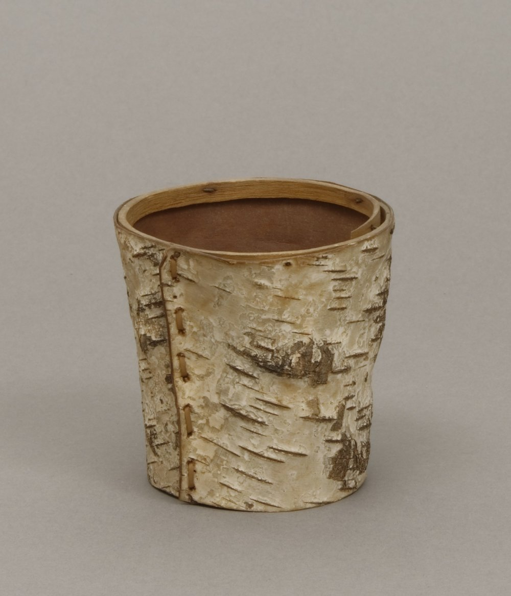 Unknown people (Woodlands), birch bark cup, early 20th century. Birch bark, wood, and iron nails, 3 1/4 × 3 3/16 in.   Hood Museum of Art, Dartmouth College: Gift of Emily W. and George H. Browne; 42.12.8516.