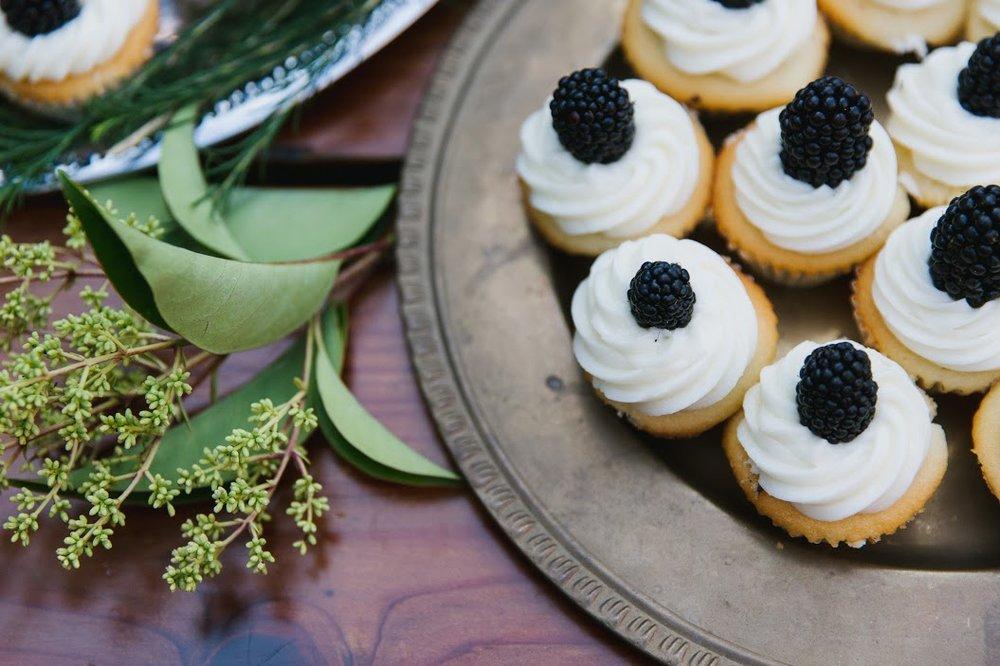 blackberry cupcakes.jpg