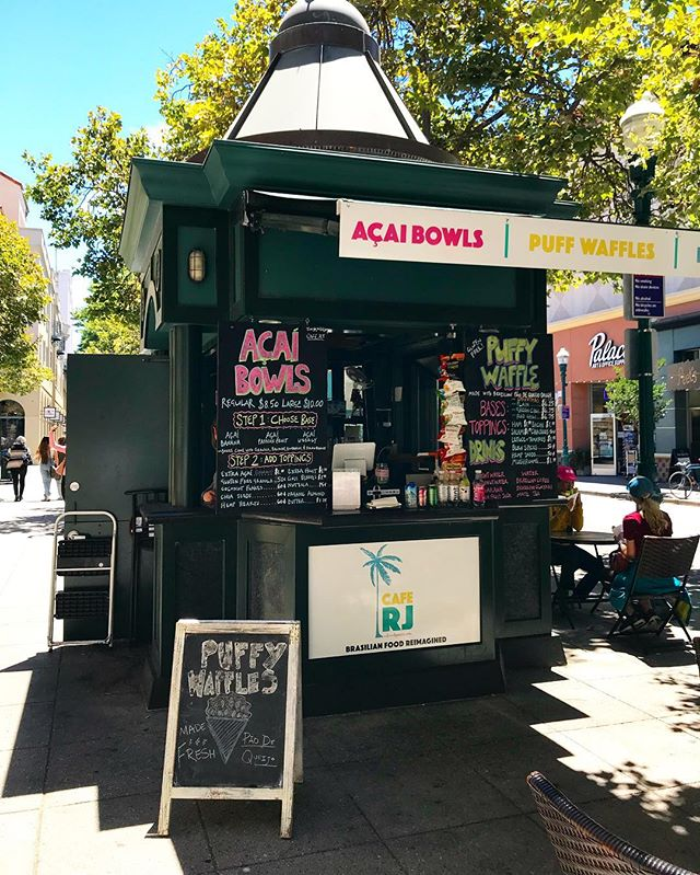 Here's the kiosk, with a steeple, beautiful day, where's all the people? #downtownsantacruz #acaibowl