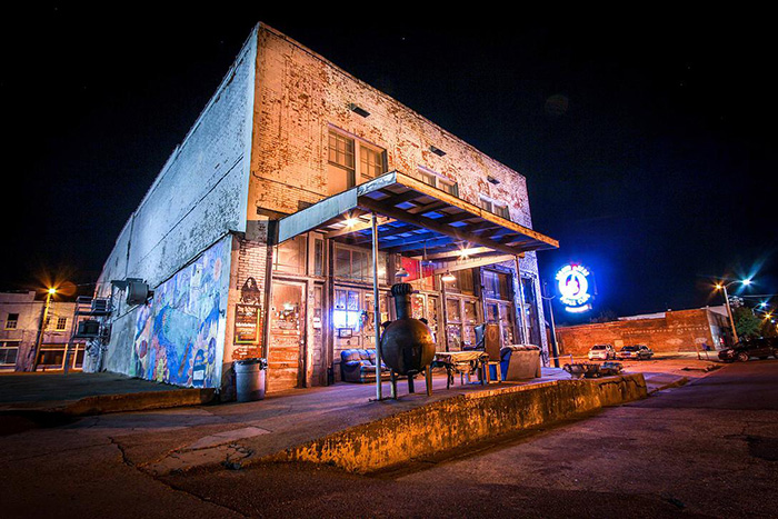 gardenandgun.com_files_Back-Road-Trip-Mississippi-Delta-Ground-Zero-Blues-Club.jpg
