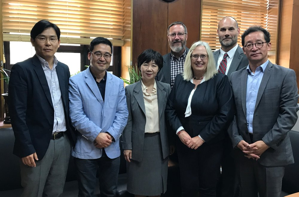 The team from the University of Minnesota Duluth and Kyung Hee University after a two-day visit to explore ways to collaborate. Photo courtesy of John Hatcher.