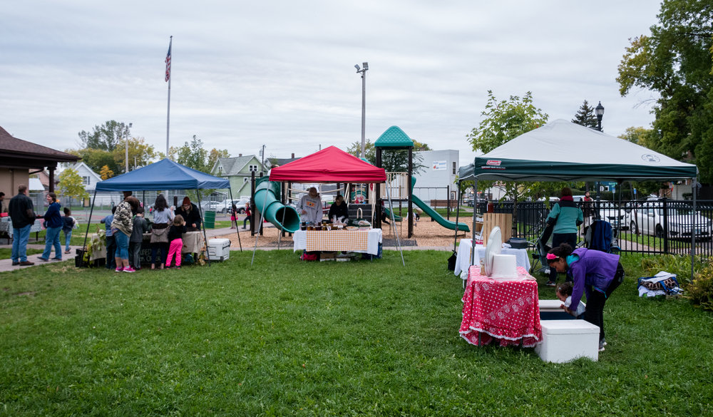 The Lincoln Park Farmer's Market is open each Thursday until Oct. 19 from 4-7 p.m. Photo by Alex Ganeev.