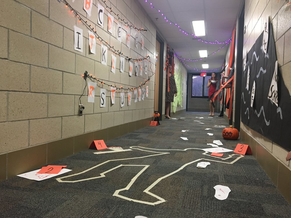 The second floor of Ianni collaborated in the decoration of their halls. Photo courtesy of Megan Graftaas