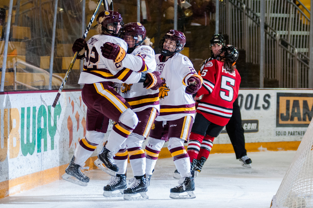 The Bulldogs once again jumped out to an early lead over the Huskies in their 4-2 win Saturday afternoon. Photo by Alex Ganeev.