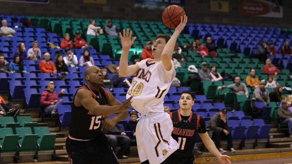 MINOT, N.D. - Dec. 31, 2017. Myer finishes with 28 points on a career-high four three-pointers (4-for-7) against the Minot State Beavers. Photo credit: Sean Arbaut (Minot State Sports Info)