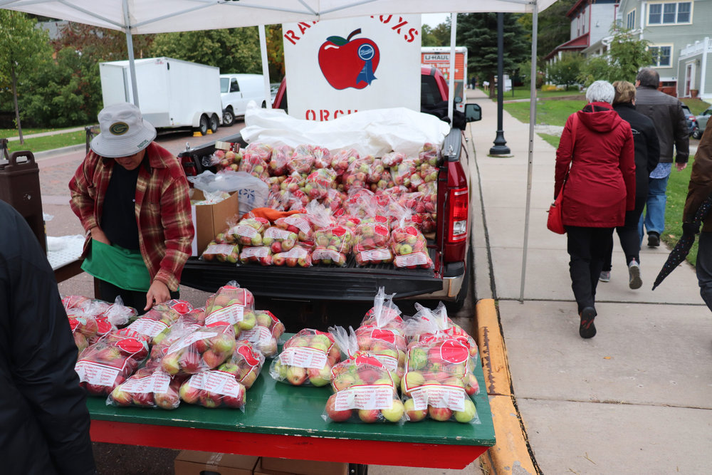An apple stand at the Bayfield Apple Festival. Photo courtesy of Nathan Casanova.