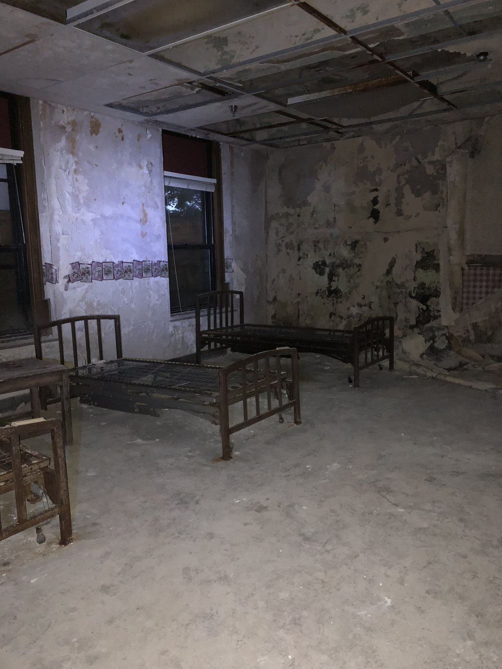 The Halloween Haunt tour at Nopeming Sanatorium starts outside and then heads inside the building. Photo by Addie Marzinske