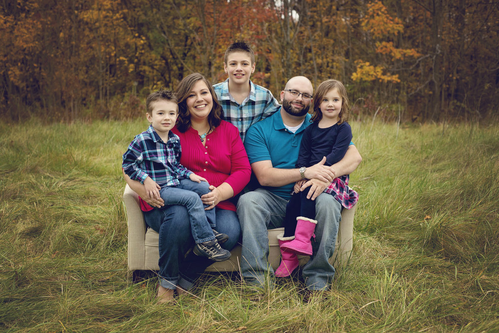 Jessica, her husband, and their three children.