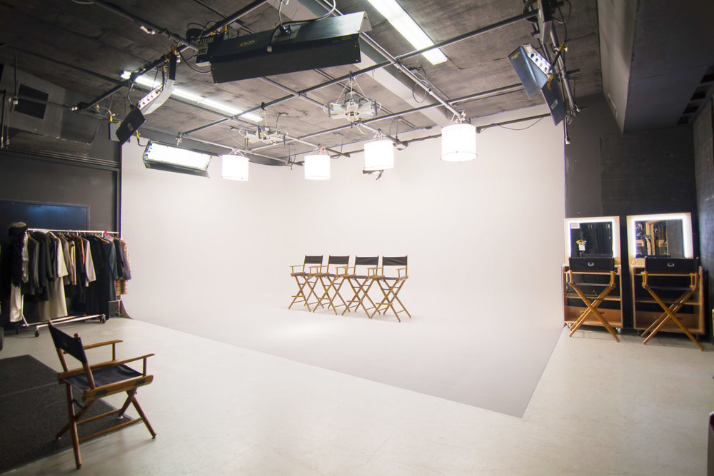 CAS Photo Studio Space Rental - (Use discount code (sky10) for 10% discount on first studio rental) -