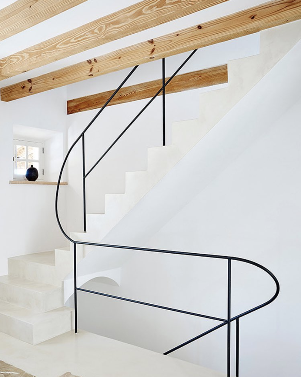 Source . Major design crush on this gorgeous space.