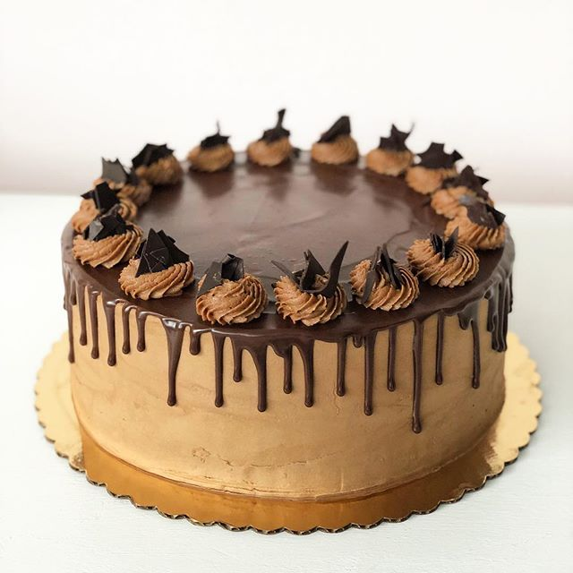 Get a load of this decadent chocolate mousse layer cake we whipped up for our neighbors @thenightingalerestaurant! YUM!