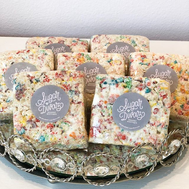 Wednesdays are for Fruity Pebble Rice Krispy Treats. Are we right or are we right?! 😋